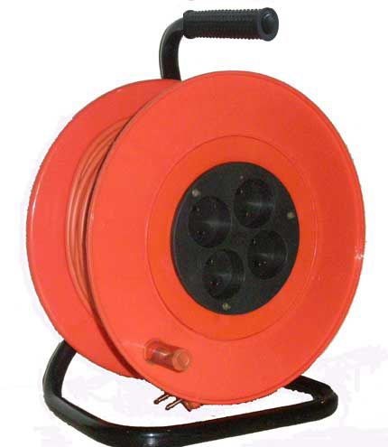 Удлинитель на катушке 4-мест. 50м 2P+E термоогр-м 16А (ПВС 3х1,5) Электроконтакт